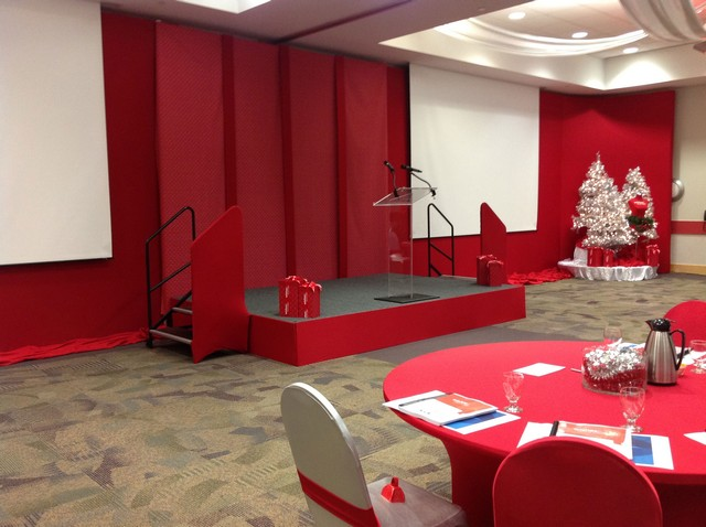 Red-Wall-Stage-Set